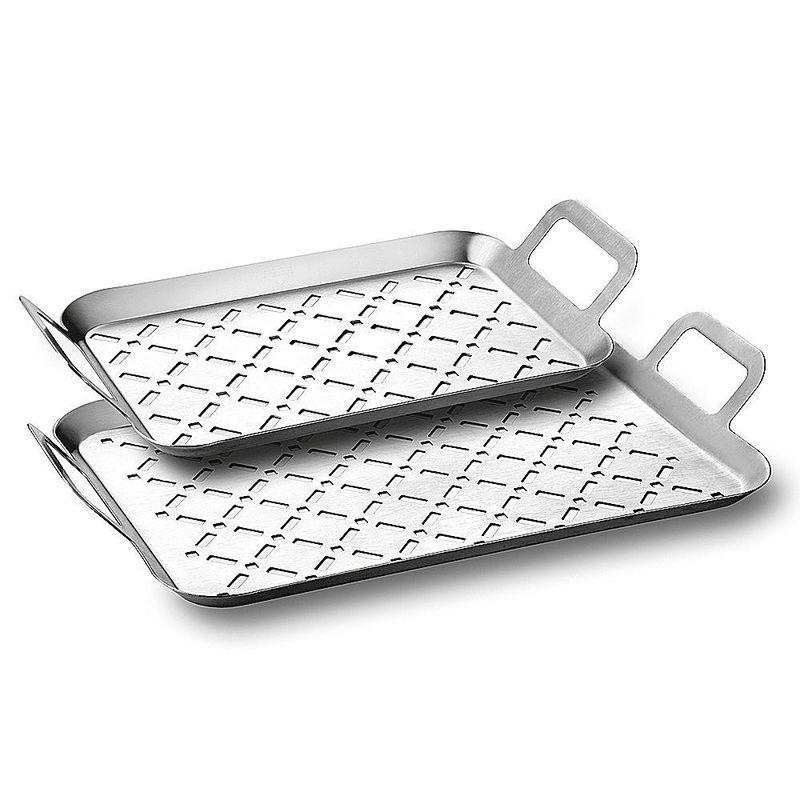 Auf perforierter edelstahl grillplatte zart grillen mit for Grillplatte edelstahl