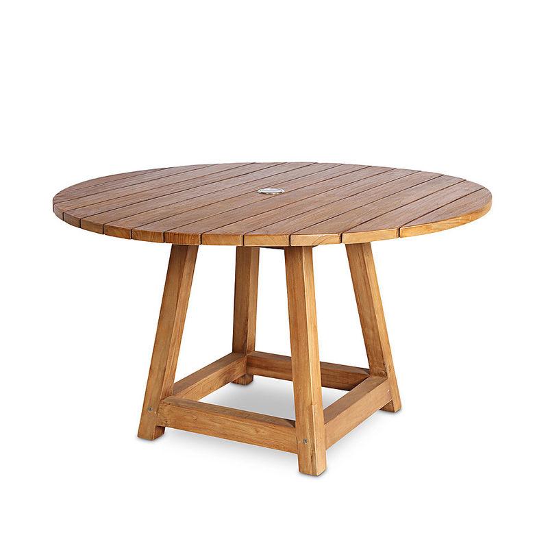 teak tisch dauerhafte gartenm bel aus innovativem materialmix wetterfest leicht formsch n. Black Bedroom Furniture Sets. Home Design Ideas