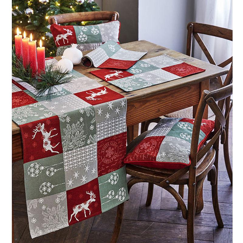 tischl ufer winterliche gobelin tischw sche in patchwork optik julia grote shop. Black Bedroom Furniture Sets. Home Design Ideas