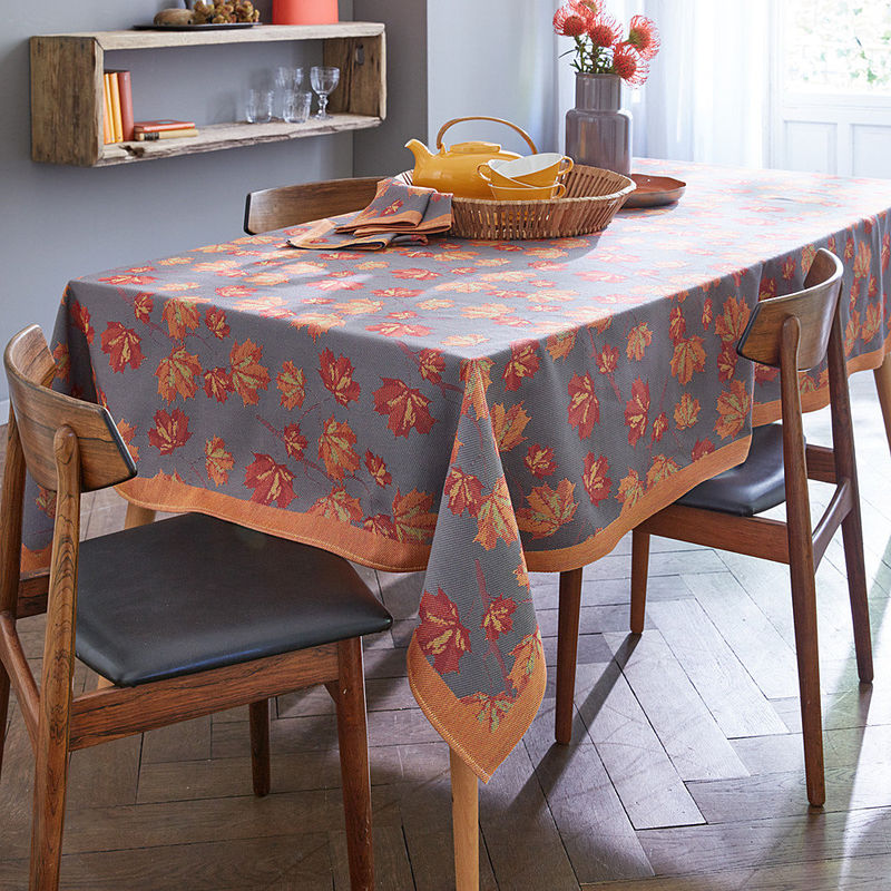 ahorn tischdecke als herbstlicher schmuck f r den gedeckten tisch hagen grote shop. Black Bedroom Furniture Sets. Home Design Ideas
