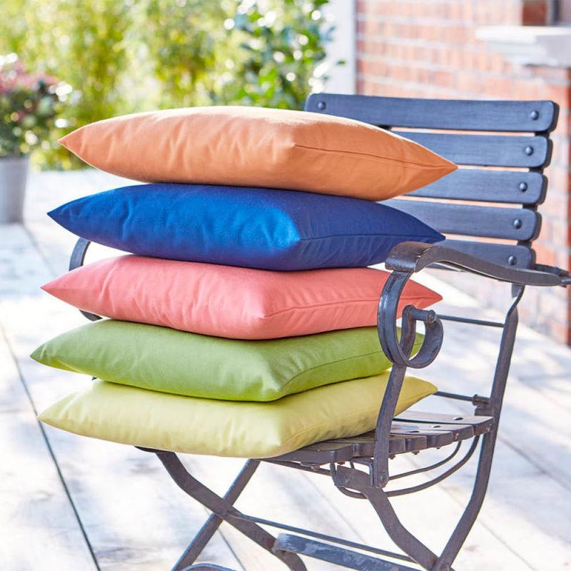 kissenh lle wetterfeste fleckenabweisende garten und terrassen tischw sche hagen grote shop. Black Bedroom Furniture Sets. Home Design Ideas