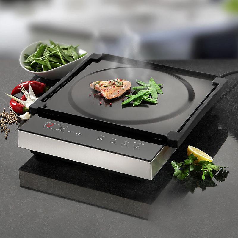 Mobiles Induktionskochfeld mit Teppanyaki Platte für