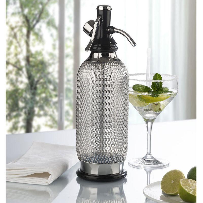 Klassischer Soda Siphon für feines, perlend reines Sodawasser ...