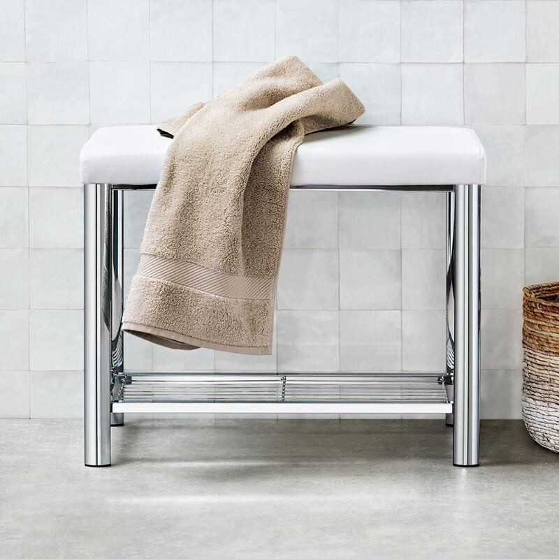Badezimmer-Bank: Designer-Badmöbel im raffinierten Materialmix
