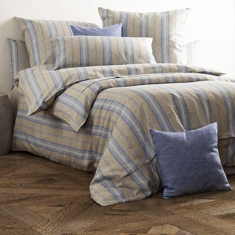 bettbezug temperaturausgleichende bettw sche aus oberlausitzer leinen mit klassischem. Black Bedroom Furniture Sets. Home Design Ideas