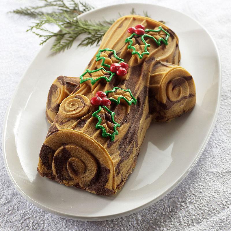 Yule Log Cake Decorating Ideas