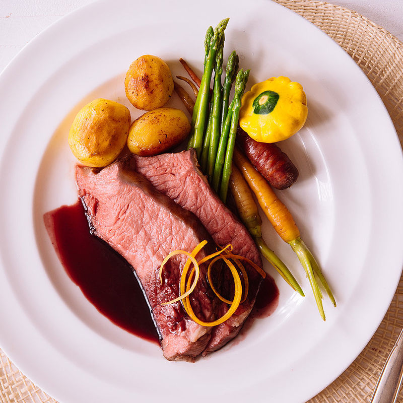 sous vide roastbeef sauce cumberland risol e kartoffeln. Black Bedroom Furniture Sets. Home Design Ideas