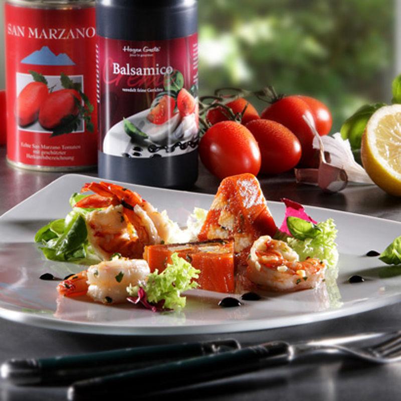 san marzano tomaten mozarella terrine mit scampis und balsamico creme rezept hagen grote shop. Black Bedroom Furniture Sets. Home Design Ideas