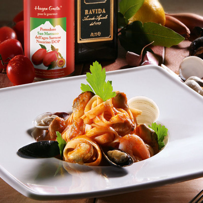 meeresfr chte in san marzano sauce mit taglierini rezept hagen grote shop. Black Bedroom Furniture Sets. Home Design Ideas