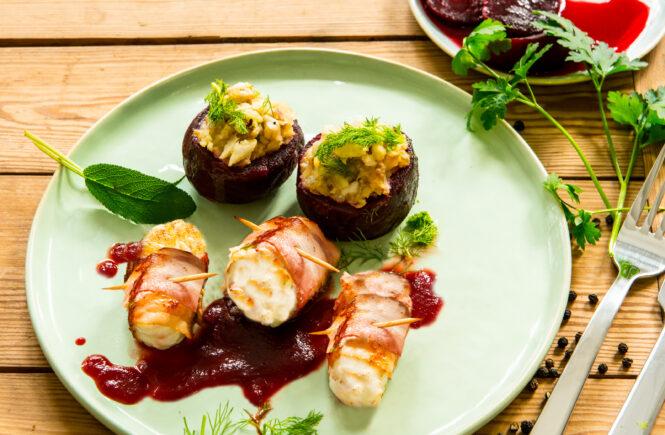 Rezept gefüllte Rote Beete mit Seeteufel-Medaillons ind Bacon