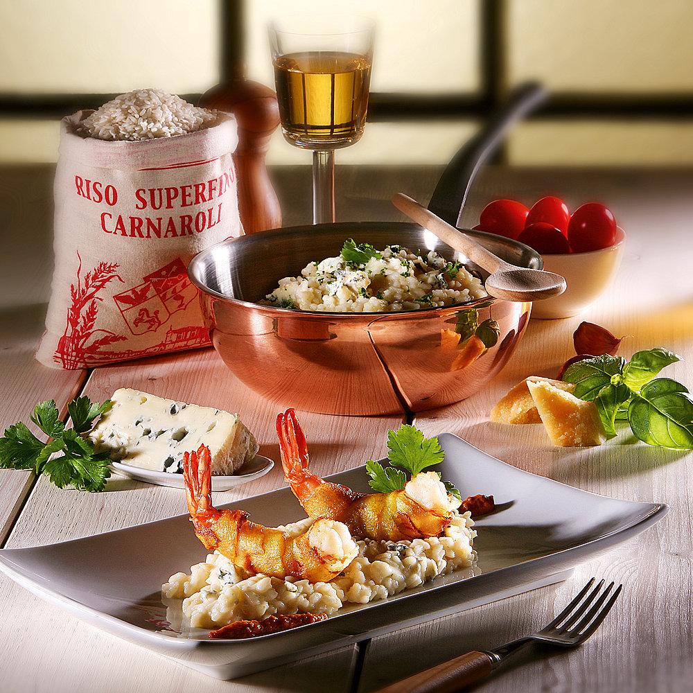 Scampi in Kartoffelkruste auf Gorgonzola-Risotto mit Cocktailtomaten-Pesto