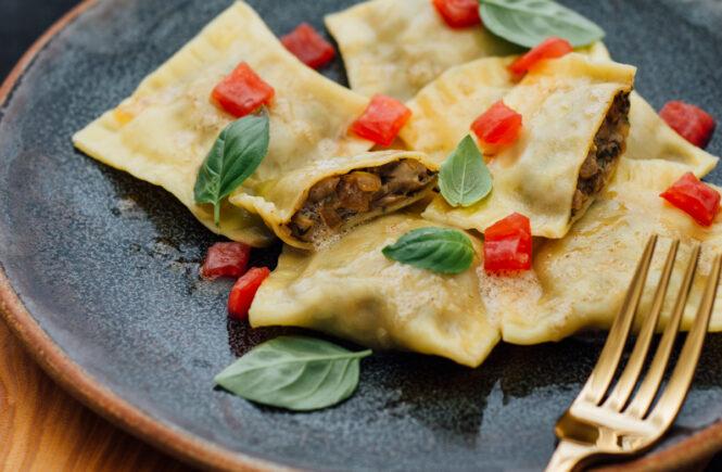 Rezept Maultaschen mit Steinpilzfüllung und Tomatenconcassée