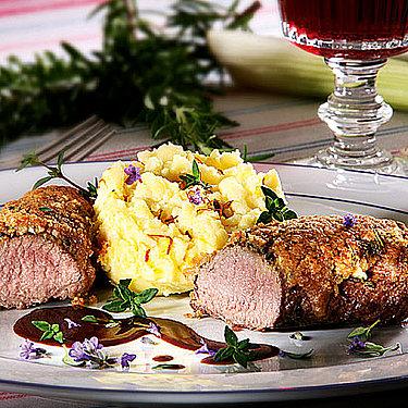 Lammrücken in Lavendel-Kräuterkruste mit Safran-Kartoffelpüree